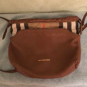 d00a168d3d2d Burberry Bags - Burberry Little Crush crossbody clutch bag